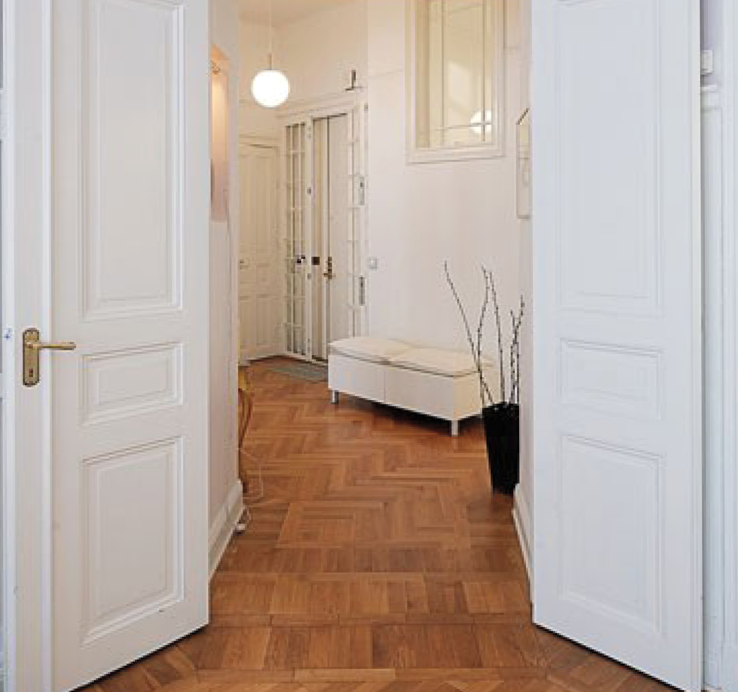 Solid wood doors vs hollow core doors for Solid core vs solid wood doors