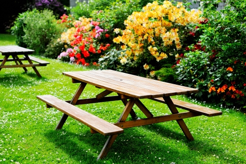 Pick The Perfect Picnic Table For Your Backyard - Ready to assemble picnic table
