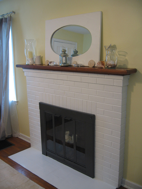 Fireplace Tips for Burning Wood All Winter Long