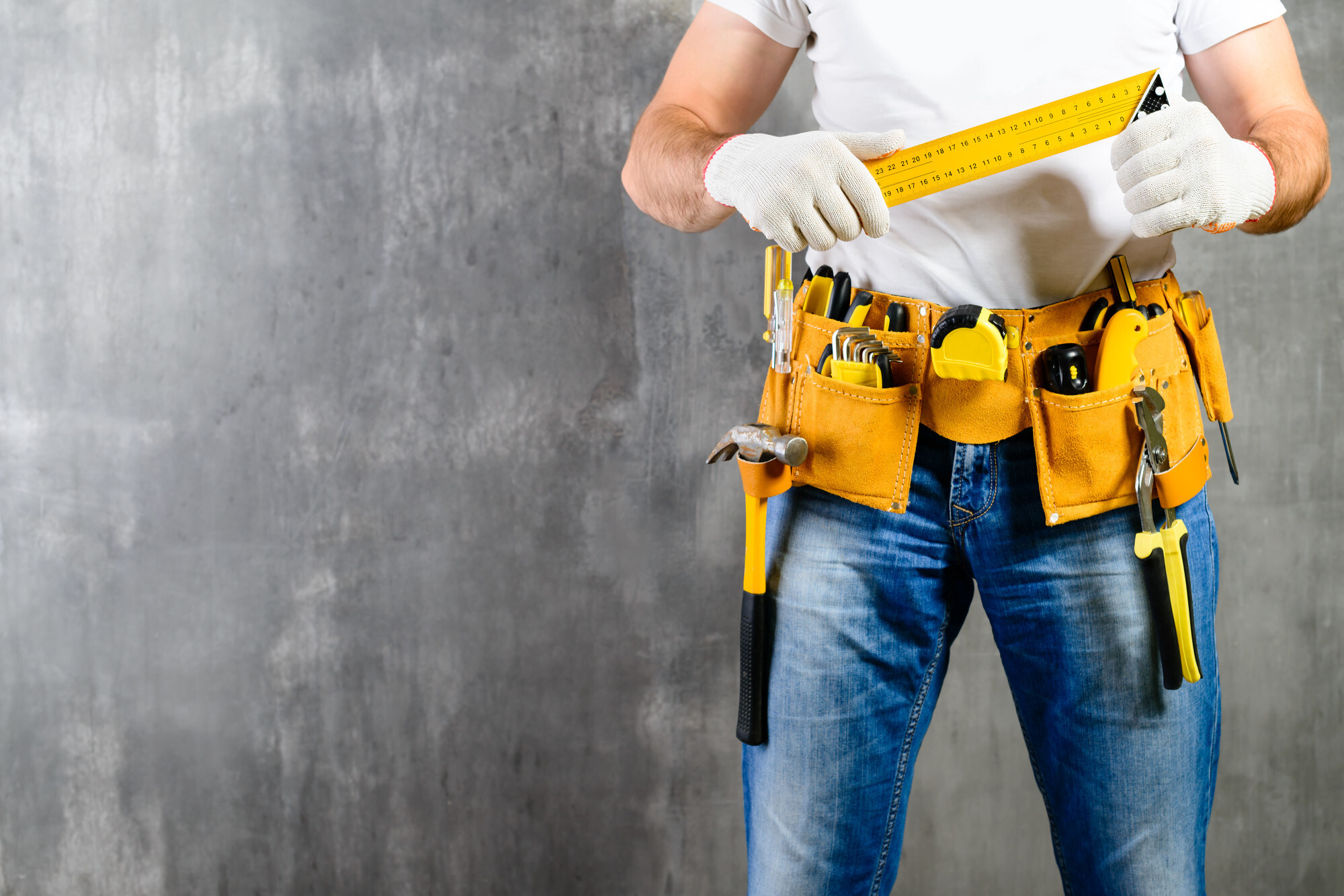 Top 15 Reasons to Have a Handyman Service On Your Speed Dial